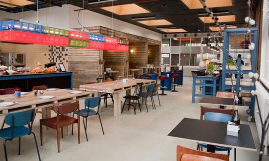 Color Kitchen Utrecht.The Colour Kitchen At Work Cafe De Pionier Utrecht Jekuntmeer Nl